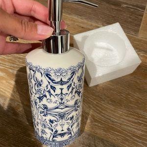 Kassatex Soap Dispenser NWT